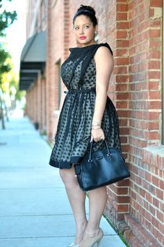 Ok, Girlwithcurves is one of my favorite bloggers. She ALWAYS looks good. Amazing.