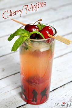 Fresh Cherry Mojitos #recipe - RecipeGirl.com
