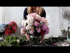 Saskia Havekes of Grandiflora in Sydney's Potts Point creates arrangement in three different vase shapes, and shares her tips. Click to watch, and find out more on the Temple & Webster Blog