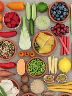 Protein Rich Foods, Good Sources Of Protein, Fiber Rich Fruits, Low Calorie Fruits, Fruits And Veggies, Vegetables, Fava Beans, Muscle Mass, Green Beans