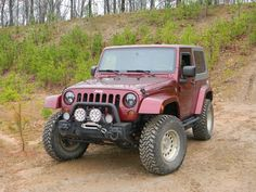 """2.5"""" Lift. Cooper Discoverer STTs 285/75-16. ProComp 1059 polished alloys 16x8 with 4.5"""" back spacing."""