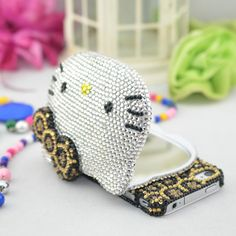 iPhone 4 Case , Luxury 3D rhinestone hello kitty mirror iPhone case , bling iPhone 4/4s Case Cover , iphone 5 case, iphone 5 cover. $37.99, via Etsy. Ipod 5 Cases, Iphone Cases Cute, Cute Cases, Iphone Phone Cases, Cover Iphone, Iphone 4, Hello Kitty, Bff, Iphone Cases Disney