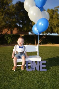 Growing Up Gebby… Baby Boy 1st Birthday Party, 1st Birthday Photoshoot, 2nd Birthday Party Themes, Boy Birthday Pictures, First Birthday Photos, First Birthday Photography, Ballon, First Birthdays, Decoration