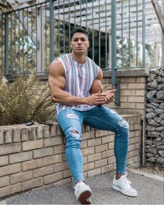 Suit Fashion, Mens Fashion, Fashion Outfits, Ripped Jeans, Jeans Pants, Outfits Con Camisa, Bodybuilding, Chico Fitness, Urban Street Style