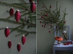 Flowers and Feasts Mini Christmas Tree, Natural Christmas, Xmas, Christmas Ornaments, Scandinavian Christmas, Scandinavian Style, Deck The Halls, Advent, Rustic