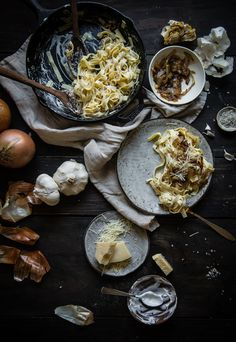 caramelized onion & roasted garlic pasta | two red bowls