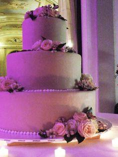 #Weddingcake with fresh flower decor