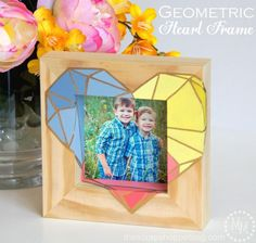 Ombre painted geometric heart frame with gold leaf accents DIY Diy Arts And Crafts, Crafts To Make, Diy Crafts, Modge Podge Projects, Diy Projects, Ombre Paint, Painted Picture Frames, Geometric Heart, Heart Frame