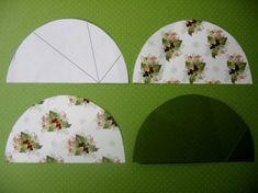 skládané stromečky z půlkruhu papíru na přáníčka