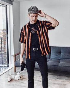 191 sublime urban fashion streetwear outfit ideas – page 28 Mode Streetwear, Streetwear Fashion, Style Casual, Men Casual, 90s Outfit Men, Urban Fashion, Mens Fashion, Fashion Vest, Fashion Boots