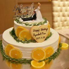 いいね!183件、コメント8件 ― @maru.wd520のInstagramアカウント: 「#maruがっちゃんphoto #ウェディングケーキ ケーキは以前も書いたけど #ネイキッドケーキ にしました オレンジスライスとローズマリーで初夏っぽく #ケーキトッパー…」