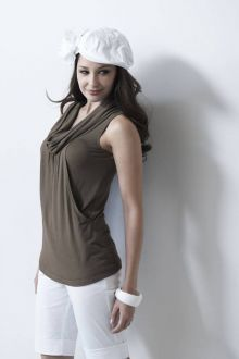 Collette Top - Milk and Love Breastfeeding Tops Breastfeeding Fashion, Breastfeeding Clothes, Nursing Clothes, Nursing Tops, Nursing Dress, Maternity Stores, Maternity Wear, Maternity Fashion, Maternity Dresses