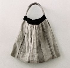dego -hair salon / デゴノワ -gallery » かばん展 百田むつみ 7月15日〜 『小さい部屋』にて Japanese Bag, Diy Tote Bag, Handmade Purses, Boho Bags, Linen Bag, Simple Bags, Fabric Bags, Cloth Bags, Look Fashion