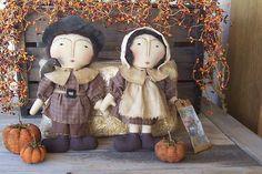 Primitive Folk Art Fall Harvest Thanksgiving Pilgrims Doll Gathering hafair ab4b