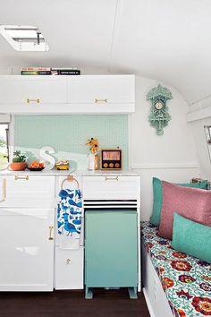 DIY revamped little 50s caravan
