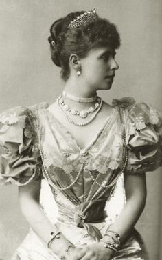 An early image of Queen Marie of Romania when Crown Princess, shortly after her marriage with Crown Prince Ferdinand. 1893
