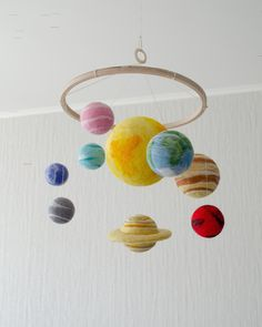Solar system mobile as a space nursery decor Labor day Baby Room Themes, Boy Nursery Themes, Nursery Ideas, Planet Mobile, Solar System Mobile, Solar System Crafts, Baby Animal Nursery, Baby Animals, Labor Day Crafts