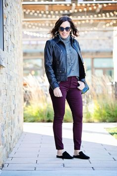 Styling Plum Skinny Pants: These make a nice alternative to jeans for casual wear. Plum Pants Outfit, Pants For Women, Clothes For Women, Fashion For Women Over 40, Winter Outfits Women, Skinny Pants, Slim Pants, Work Casual, Casual Outfits