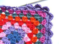 Transcendent Crochet a Solid Granny Square Ideas. Inconceivable Crochet a Solid Granny Square Ideas. Crochet Blanket Border, Crochet Boarders, Granny Square Crochet Pattern, Crochet Squares, Crochet Granny, Granny Squares, Crochet Crafts, Crochet Yarn, Crochet Stitches