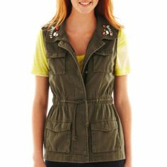 Decree® Military Vest - Bought this from JCPenney today and removed the stupid bling. Thinking I might rock this as part of my birthday outfit. Army Vest, Military Vest, Military Fashion, Military Style, Punk Fashion, Fashion Outfits, Fashion Trends, Green Vest, Winter Trends