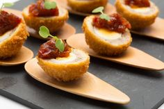 Unique Wedding Catering Ideas for the Big Day – MyPerfectWedding Canapes Menu, Party Canapes, Wedding Canapes, Cocktails And Canapes, Canapes Recipes, Wedding Catering, Canapes Ideas, Canapes Catering, Appetizers