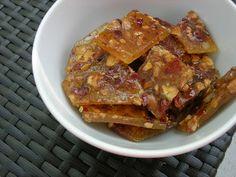 Carotte & Lychee: Recette : caramel croquant aux cachous et bacon