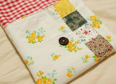 How to make a patchwork button pouch