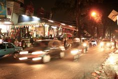 As the day turn into night, the vibrant shopping scene of Cihampelas street turns their lights on to shine on some of its highlighted features.