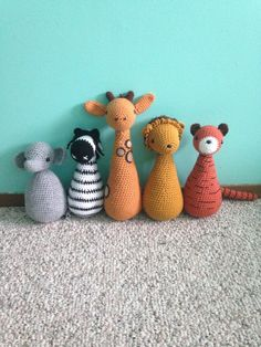 Safari buddies! : r/crochet.  No pattern, but cute idea.