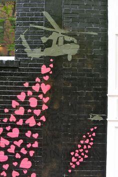 Amazing street art - share the love <3