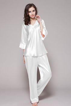White color two-piece set womens silk pjs are made of 19 momem mulberry silk. $98 #pajamas #silk #lilysilk