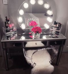 How perfect is masterpiece? We can stare at this all day! Featuring the Impressions Vanity Sunset with Clear Incandescent Bulbs & Impressions Vanity Mirrored Vanity Table. - Diy for Home Decor Mirrored Vanity Table, Vanity Decor, Vanity Ideas, Vanity Tables, Mirror Vanity, Vanity Room, Mirror Ideas, Diy Vanity Mirror With Lights, Makeup Tables