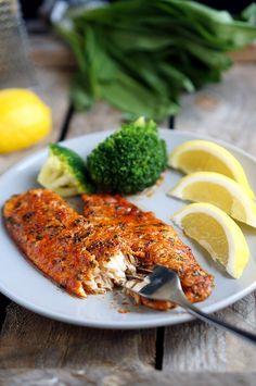 Что ж, вот ещё один рецепт рыбы, который понравится даже тем, кто рыбу в общем-то не лю�