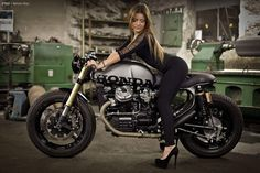 RocketGarage Cafe Racer: CX 500 by ClassicWay