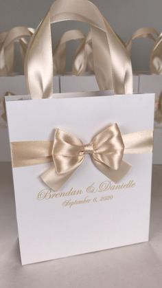 Elegant Wedding Favors, Custom Wedding Favours, Wedding Gift Bags, Wedding Gifts For Guests, Beach Wedding Favors, Wedding Favor Boxes, Destination Wedding Welcome Bag, Wedding Welcome Bags, Personalized Gift Bags