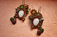 nikuske Soutache Jewelry, Fairy Art, Interesting Faces, Bead Art, Shibori, Beaded Embroidery, Pretty Face, Belly Button Rings, Ale