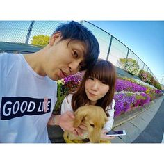 . 今日は愛犬の日らしい🐶💗 picは家近くの公園のお花が可愛くて🌼🌼 むーちゃんのお散歩がてら撮ったやつ❤️ カメラ嫌いやけんなかなか向いてくれん😔 しょーちゃんの手が物語っている☝️(笑) きーづいちゃったきーづいちゃった わーいわいっっ🤡🥁🎶 . #愛犬の日 #愛犬 #犬 #ダックス #カップル #彼氏 #彼女 #婚約中 #写真 #カップル写真 #カップルフォト #カップルフォト倶楽部 #ラブスタグラム #ゴープロ #ゴープロカップル #ゴープロのある生活 #ゴープロマスター #カップルさんと繋がりたい #写真好きな人と繋がりたい  #gopro #goprojp #goprohero4 #pic #photo #couplephoto #couple #love