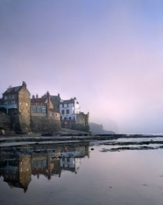 *Robin Hood's Bay, North York Moors NP, North Yorkshire. Misty dawn.