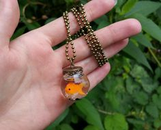Orange Goldfische Goldfischglas Halskette Bronze handgefertigt aus Glas Flasche und Polymer Clay Tier Haustier Fisch Kawaii lustige dumme Schmuck