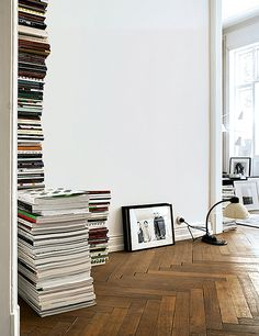 home magazines and books piled on herringbone wood floors / sfgirlbybay Interior Design Inspiration, Home Decor Inspiration, Herringbone Wood Floor, Herringbone Pattern, 70s Home Decor, Parquet Flooring, Hardwood Floors, Home And Deco, House And Home Magazine