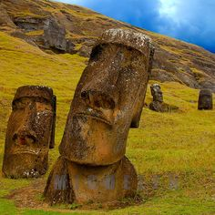 Moais in Rapa Nui, Chile. if this is in Chile, what's the link to Easter Island I wonder? Places Around The World, Oh The Places You'll Go, Places To Travel, Places To Visit, Around The Worlds, Beautiful World, Beautiful Places, Beautiful Artwork, Statues