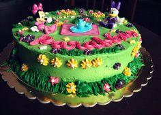Minnie and Daisy Cake.