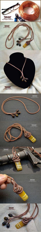 DIY Bijoux – Wire wrap tutorial – www.masterklass-w…… Bijoux Wire Wrap, Wire Wrapped Bracelet, Wire Pendant, Wire Wrapped Pendant, Metal Jewelry, Beaded Jewelry, Maille Viking, Viking Knit Jewelry, Wire Necklace