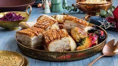 Hvordan steke ribbe med sprø svor | Oppskrift - MatPrat Christmas 2019, Christmas Holidays, Norwegian Food, Pork Ribs, Bagels, Hot Sauce, Pork Recipes, Camembert Cheese, Muffin