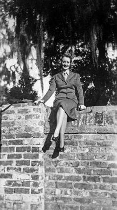 Lynn Bechard, circa 1944 - The Betty H. Carter Women Veterans Historical Project - University Archives - University Libraries