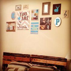 Bedroom wall decor and pallet headboard. #pallets #bedroom #diyart