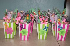 May day Baskets Holiday Crafts For Kids, Holiday Gifts, Holiday Ideas, Craft Activities, Preschool Crafts, May Day Baskets, Classroom Treats, May Days, Fathers Day Crafts