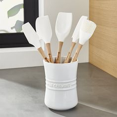 Le Creuset ® White 6-Piece Utensil Crock Set   Crate and Barrel