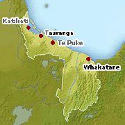 Coastal Bay of Plenty lies east of the Kaimai-Mamaku Ranges and south of the Coromandel peninsula.