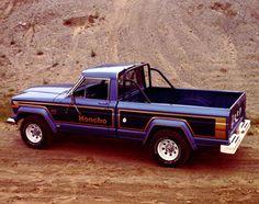 Jeep® J-10 HONCHO PICKUP 1978  En 1971, las camionetas Jeep® perdieron el nombre Gladiator y aparecieron los modelos J-10 o J-20.